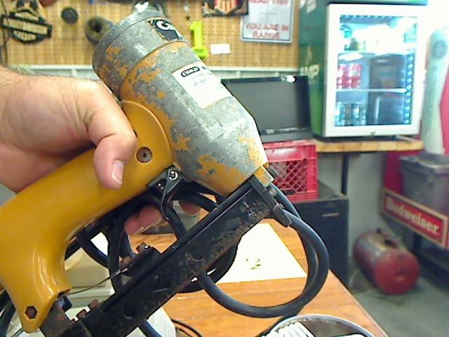 BOSTITCH Nailer/Stapler CR1000E