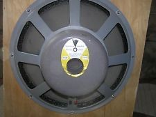 FENDER Speakers D120F