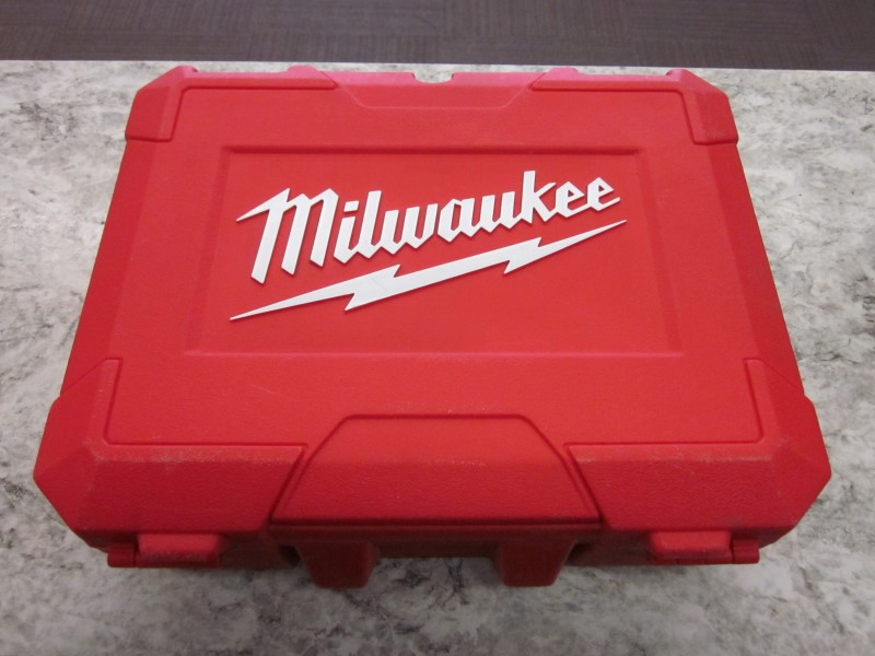 MILWAUKEE 18V DRILL&TUBE CUTTER