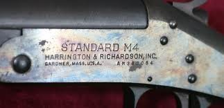HARRINGTON & RICHARDSON Shotgun STANDARD M4