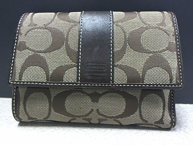 COACH Fashion Accessory SIGNATURE WALLET