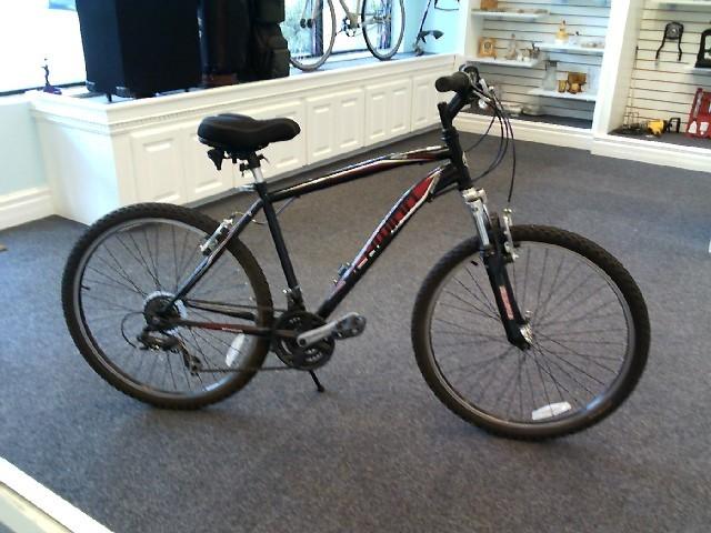SCHWINN Mountain Bicycle SIDEWINDER S2600WMI