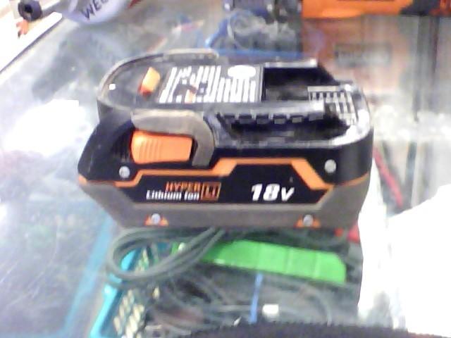 RIDGID 18V LI-ION BATTERY - USED - R840083