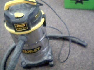 STANLEY Vacuum Cleaner 5 GALLON WET/DRY VACUUM