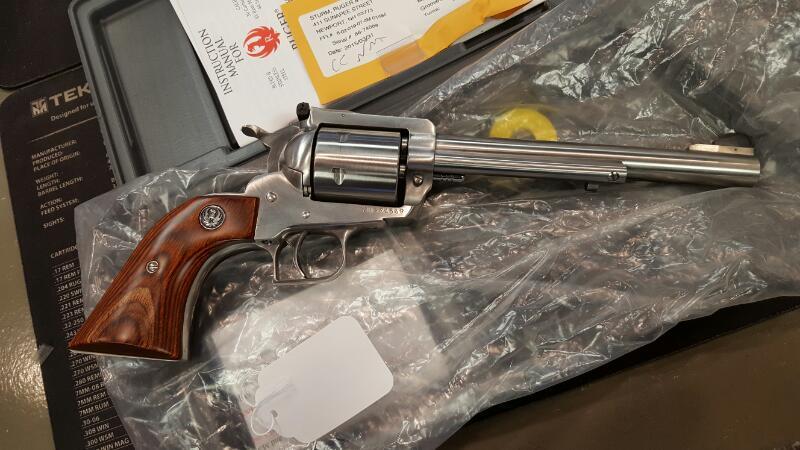 RUGER Revolver NEW MODEL SUPER BLACKHAWK 44 MAG