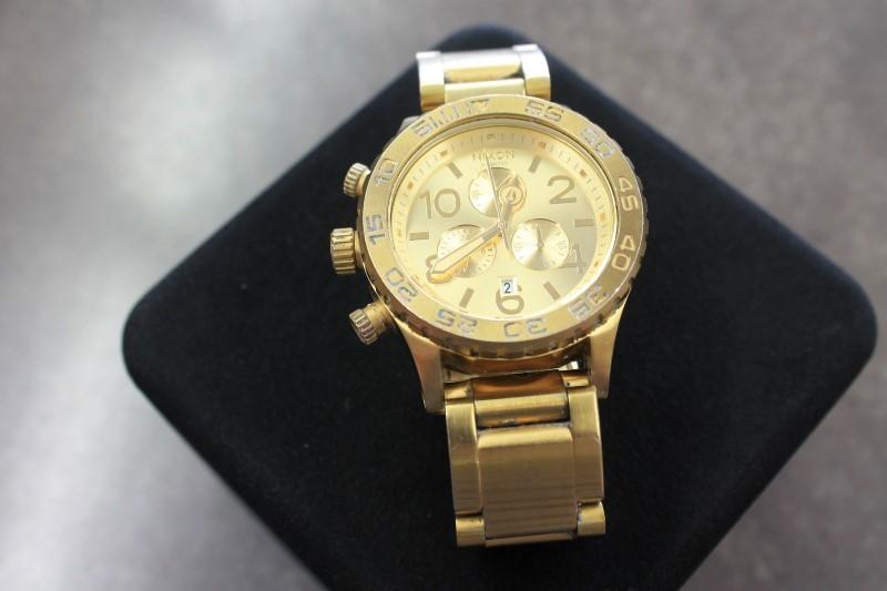 NIXON Gent's Wristwatch 42-40 CHRONO WATCH