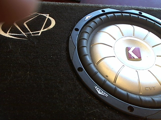 KICKER Car Speakers/Speaker System 10 INCH SUB IN BOX