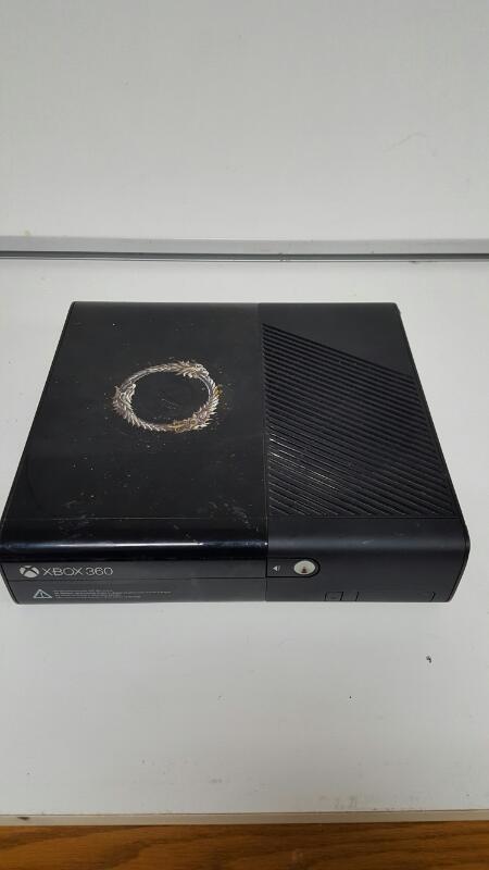 Microsoft Xbox 360 Black E Console 4GB (Model 1538)