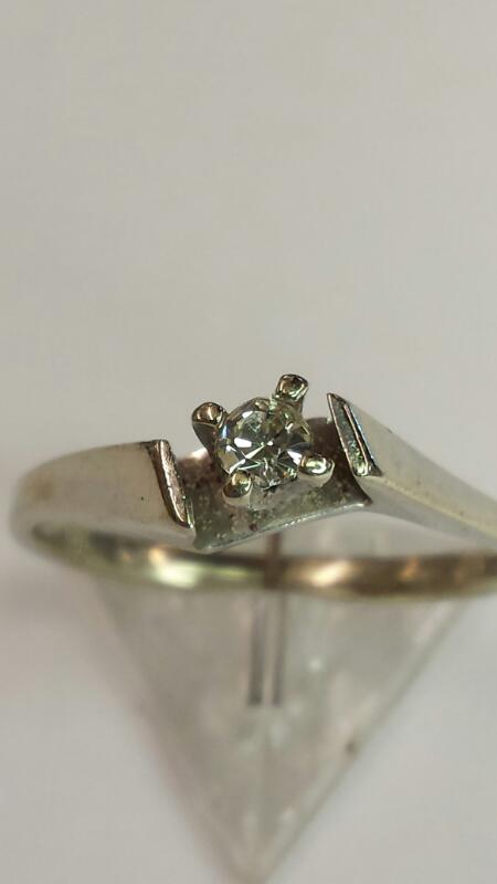 LADY'S SOLITAIR RING 10K CZ