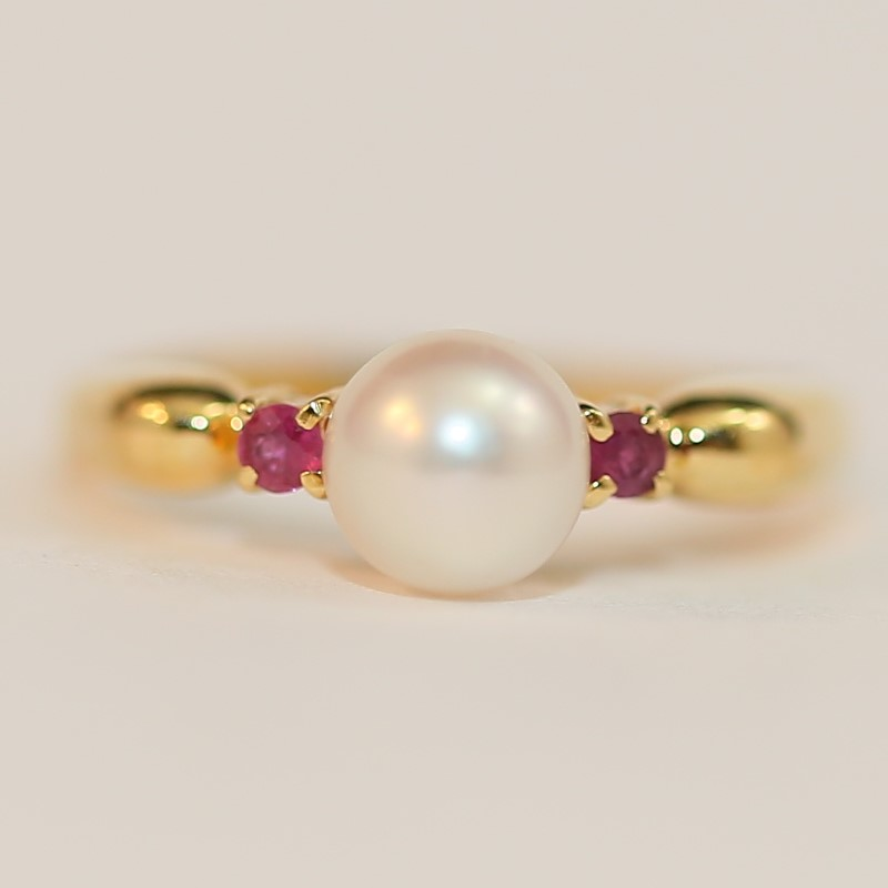Pearl & Round Cut Ruby Ring Set in 18K Yellow Gold Size 4