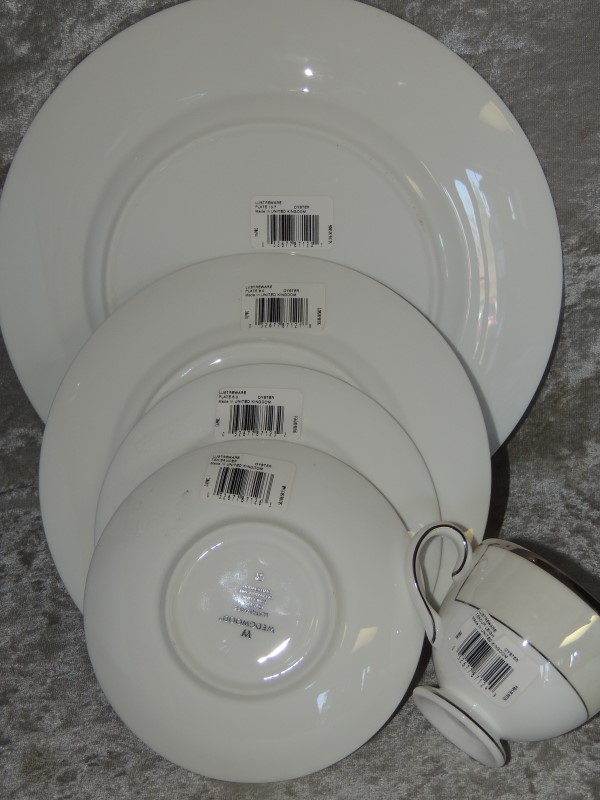 Wedgwood Lustreware Oyster 5 Piece Dinnerware Fine China Place Setting