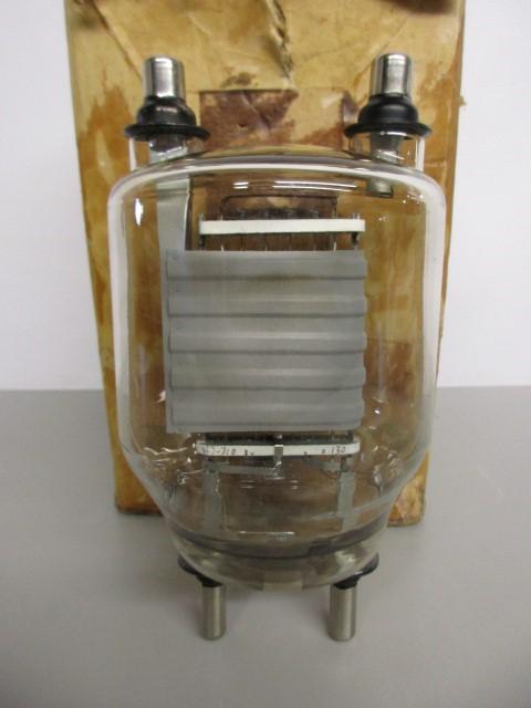 NEW OLD STOCK FU501 ELECTRON TUBE