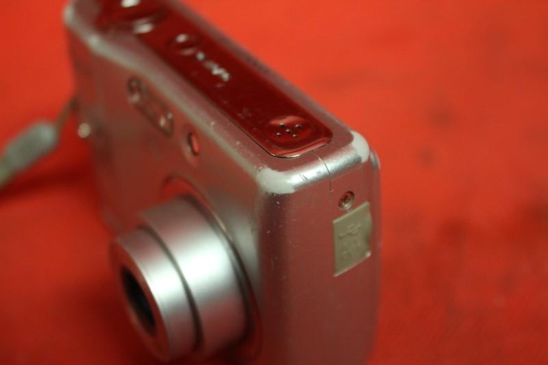 Nikon COOLPIX L10 5.0 MP Digital Camera - Silver FREE SHIPPING
