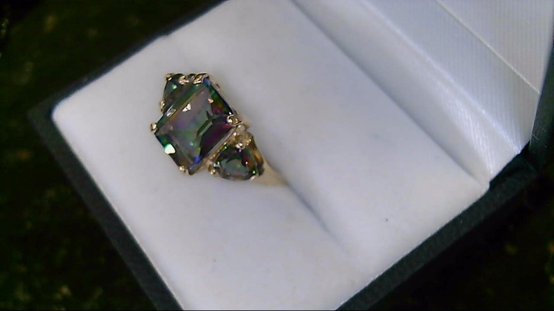 Lady's 10k yellow gold emeral mystic topaz with 2-trillion mystic topaz ring
