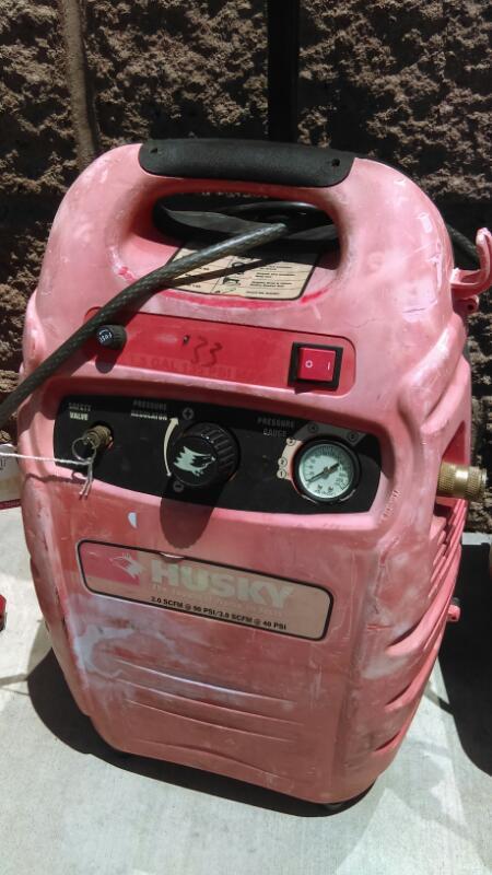 HUSKY Air Compressor AIR SCOUT