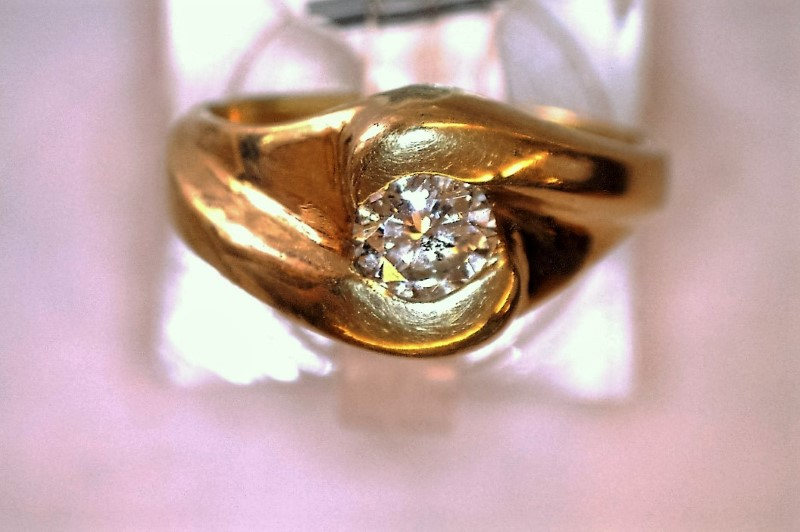 Lady's Diamond Solitaire Ring .42 CT. 14K Yellow Gold 3.88dwt Size:6