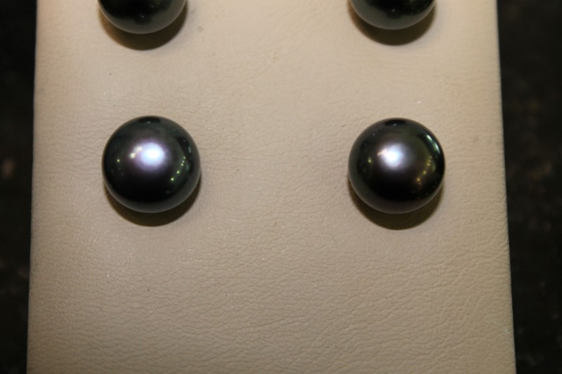 10mm Gray Tihitian Cultured Gray Pearl Button Earrings