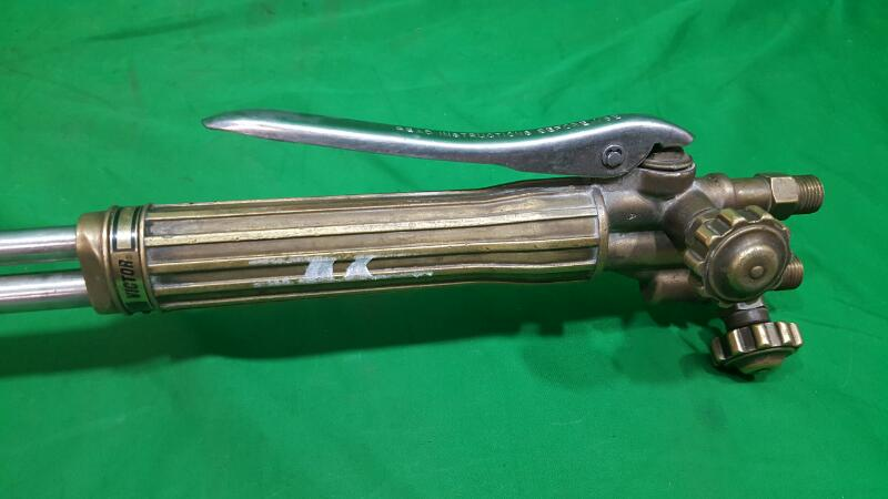 """VICTOR 26"""" CUTTING TORCH"""