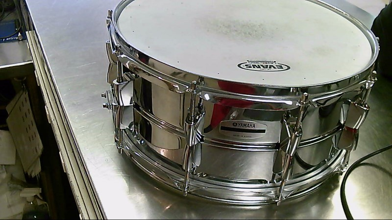 """YAMAHA SNARE DRUM 5.5 X 14"""" SD266A"""