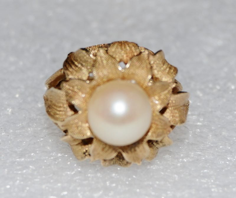 14K Yellow Gold Cathedral Pearl Textured Leaf Petals Opening Ring