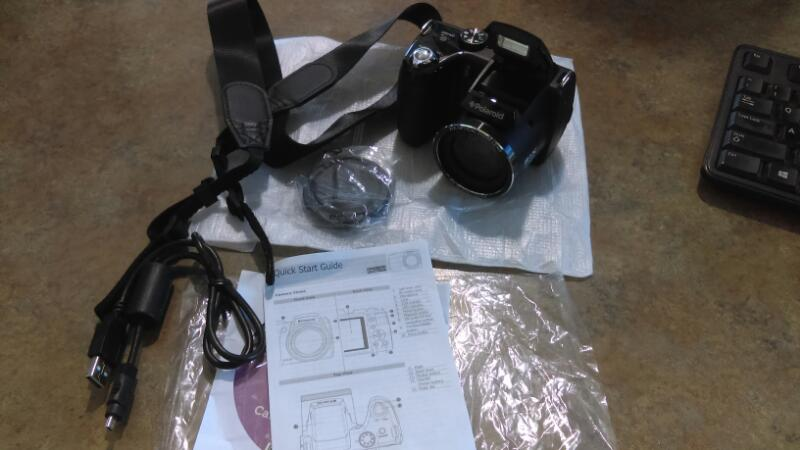 Polaroid (iS2132) 16.0 MP Compact Digital Camera - Black