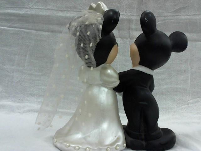 DISNEY Collectible Plate/Figurine FIGURINE
