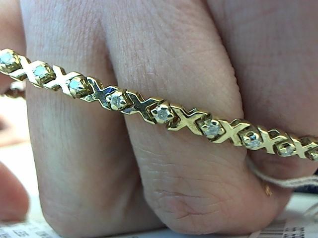 Gold-Diamond Bracelet 32 Diamonds .96 Carat T.W. 14K Yellow Gold 10.4g
