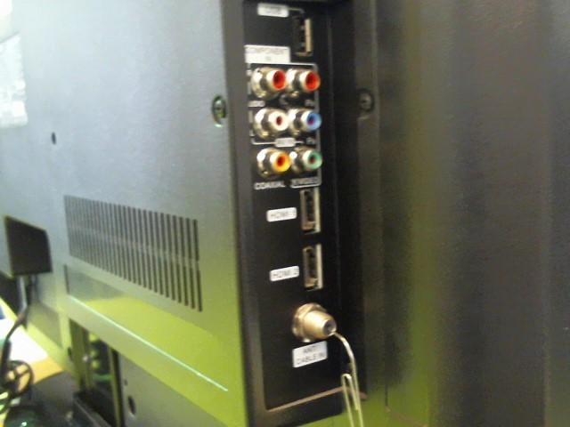 DYNEX Flat Panel Television DX-32L200A12