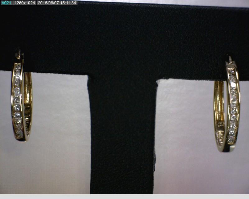 Gold-Diamond Earrings 20 Diamonds .20 Carat T.W. 18K Yellow Gold 1.96dwt