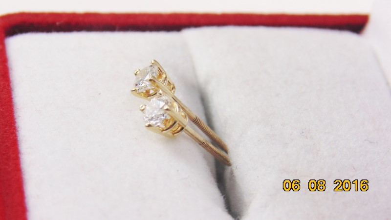 DIAMOND EARRINGS APX.32CTW 14KYG 0.3G