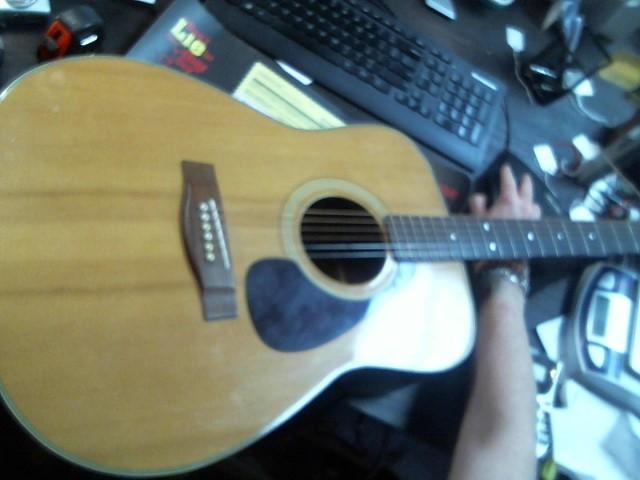 YAMAHA Acoustic Guitar FG-335