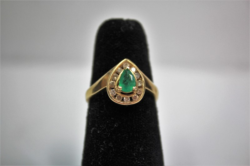 Emerald Lady's Stone & Diamond Ring 12 Diamonds .24 Carat T.W. 14K Yellow Gold