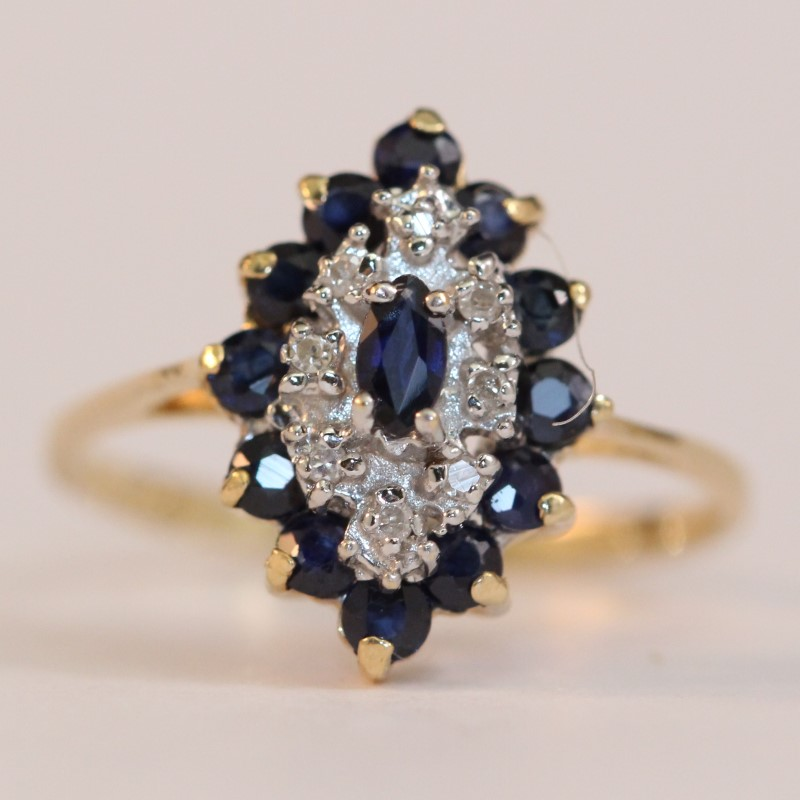 14K Yellow Gold Sapphire and Diamond Cluster Ring Size 6