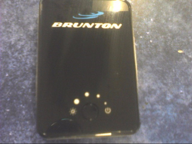 BRUNTON PHONE CHARGER F-EMBER