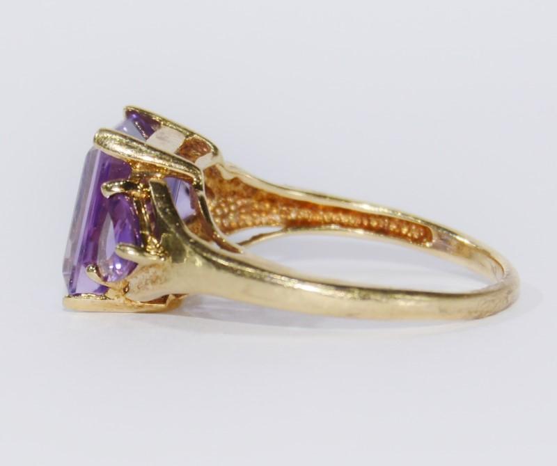 10K Yellow Gold Radiant & Trillion Amethyst 3 Stone Ring Size 7