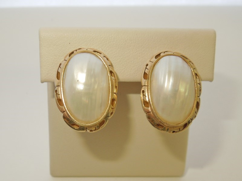 Synthetic Mother Of Pearl Gold-Stone Earrings 10K Yellow Gold 6.9g