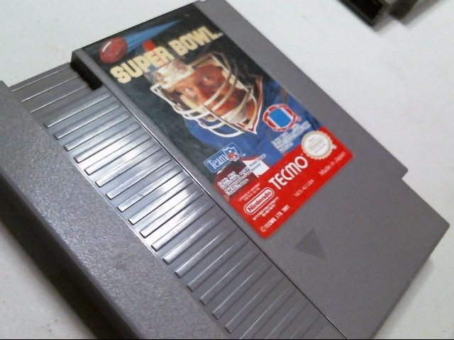 NINTENDO NES GAME: SUPER BOWL