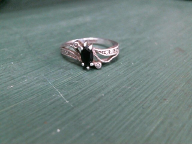 Lady's Silver Ring 925 Silver 1.9dwt
