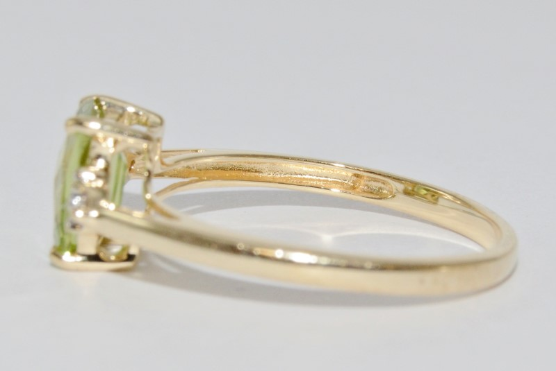14K Yellow Gold Basket Set Cathedral Radiant Peridot & Diamond Ring Size 6