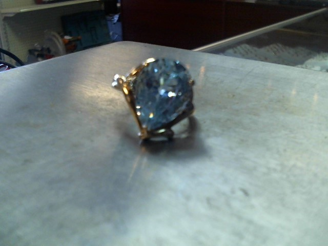 Synthetic Aquamarine Lady's Stone Ring 10K Yellow Gold 5.7g