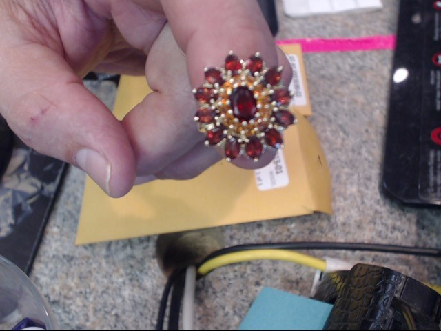 Almandite Garnet Lady's Stone Ring 10K Yellow Gold 2.85dwt Size:7