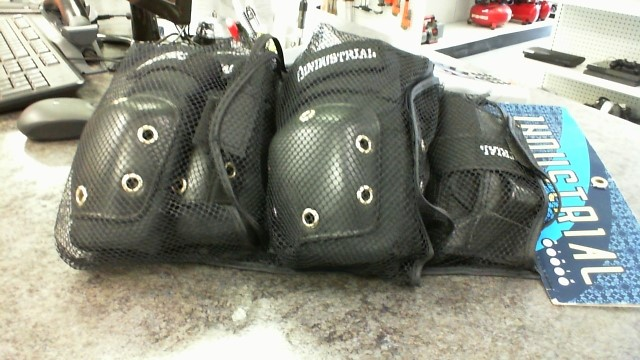 Miscellaneous Safety Gear SPORTS KNEE PADS