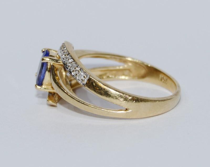 10K Yellow Gold Oval Tanzanite & Diamond Split Shank Ring Size 8.5