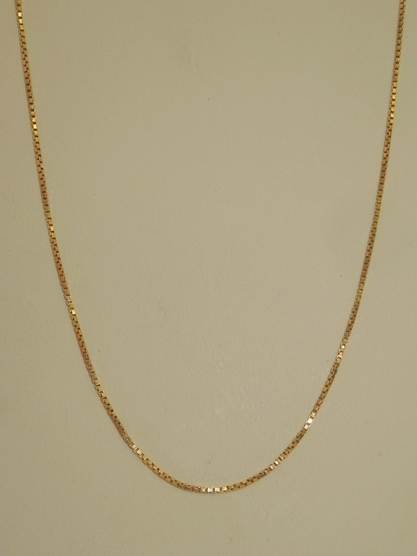 "24"" Gold Box Chain 14K Yellow Gold 3.9g"