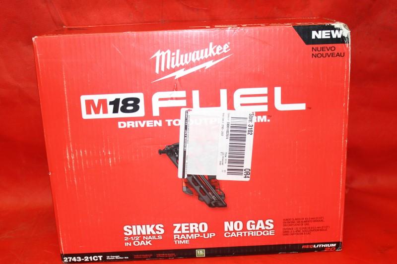 Milwaukee 2743-21CT 18-Volt 15-Gauge FUEL Bottom Load Finish Nailer Kit