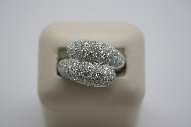 LADY'S FASHION DIAMOND RING PLATINUM GOLD