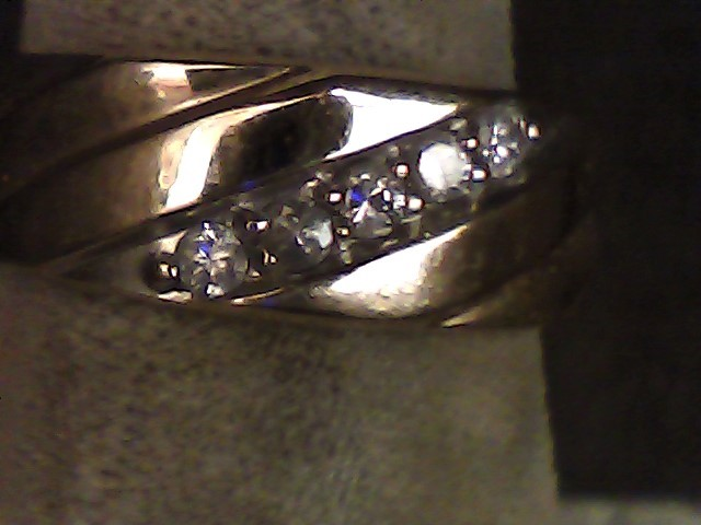 Gent's Gold-Diamond Wedding Band 5 Diamonds .10 Carat T.W. 14K Yellow Gold