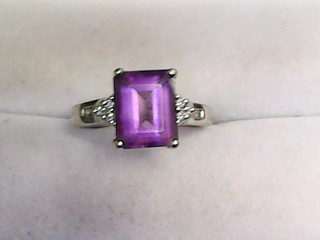 Amethyst Lady's Stone & Diamond Ring 10 Diamonds .20 Carat T.W. 14K White Gold