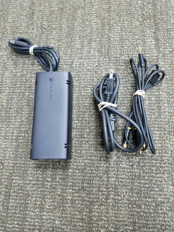 MICROSOFT XBox 360 XBOX 360 E - 4GB - CONSOLE