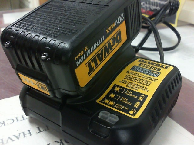 DEWALT Battery/Charger DCB107
